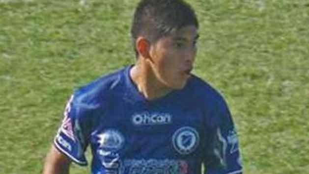 Murió un futbolista argentino que se golpeó con un paredón en pleno partido