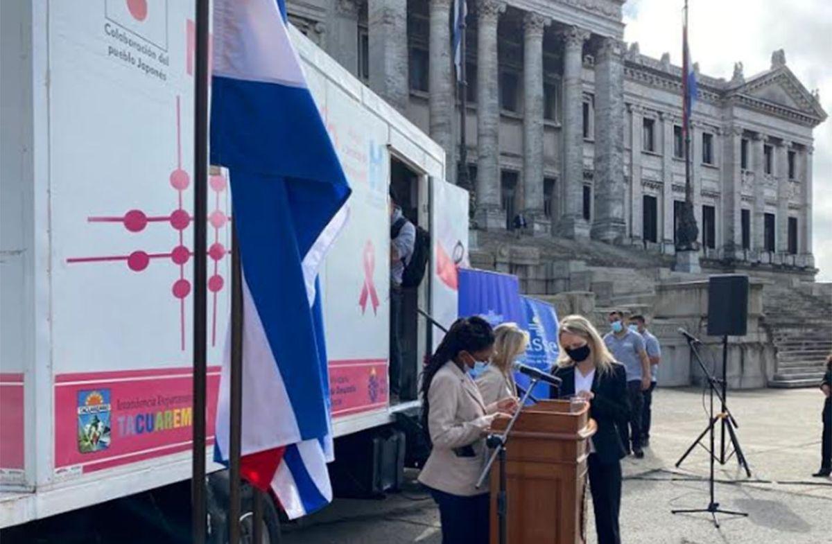 Realizan mamografías gratuitas en la explanada del Palacio Legislativo