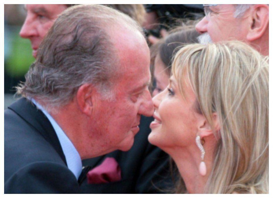 Juan Carlos y Corinna en días felices. Después todo se desmoronó al conocerse los excesos del rey.