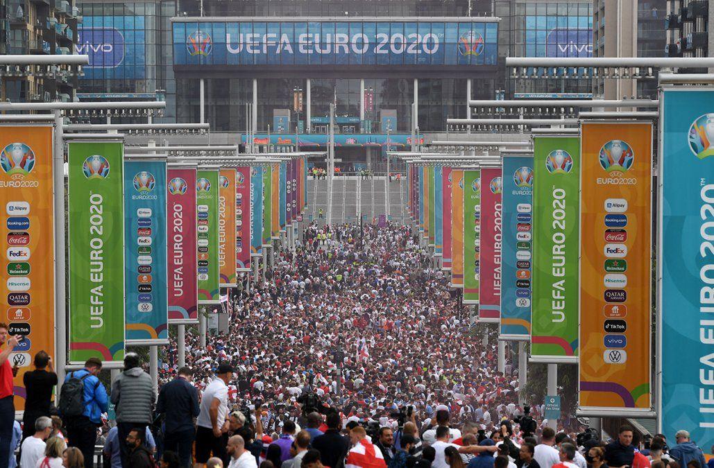 Londres cierra la Eurocopa con una apasionante final