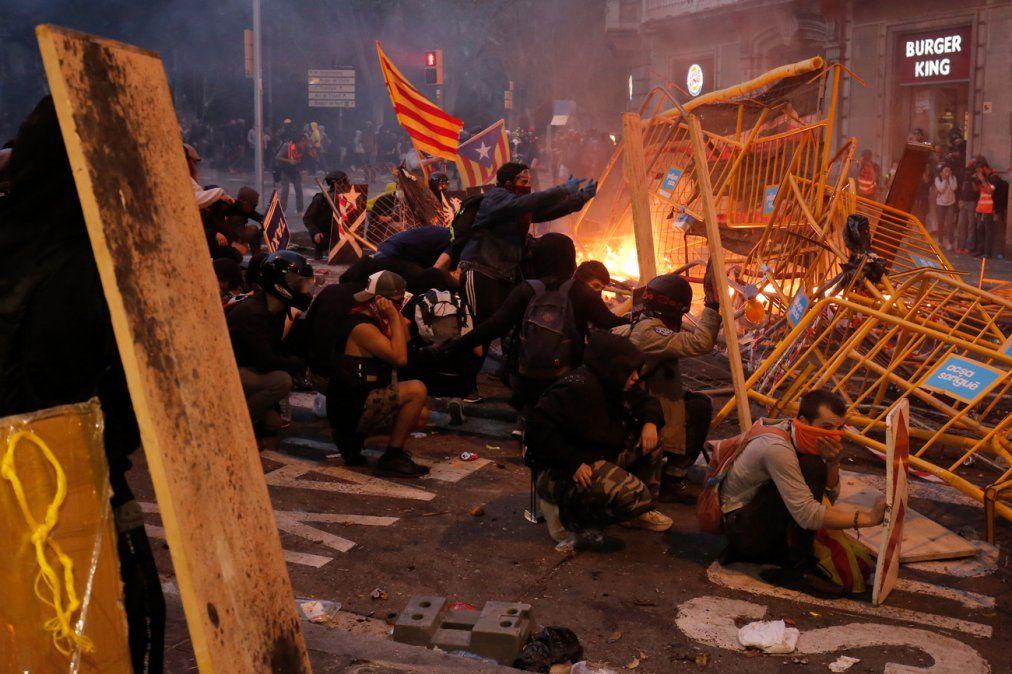 Más de 180 heridos en Cataluña por violencia en protestas independentistas