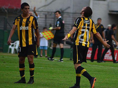 Peñarol lo dio vuelta y le ganó a Wanderers 2 a 1