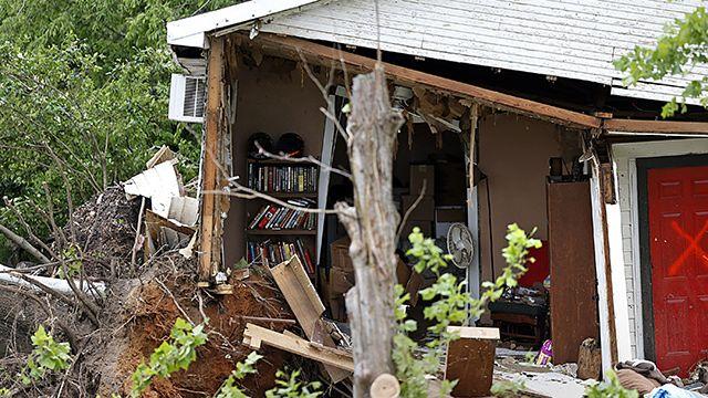 Tornados devastan localidades en Texas y Arkansas