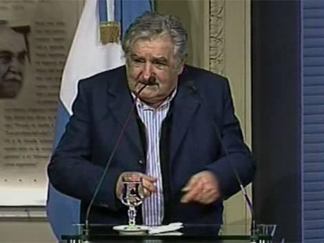 Mujica volvió a criticar a los medios por información policial