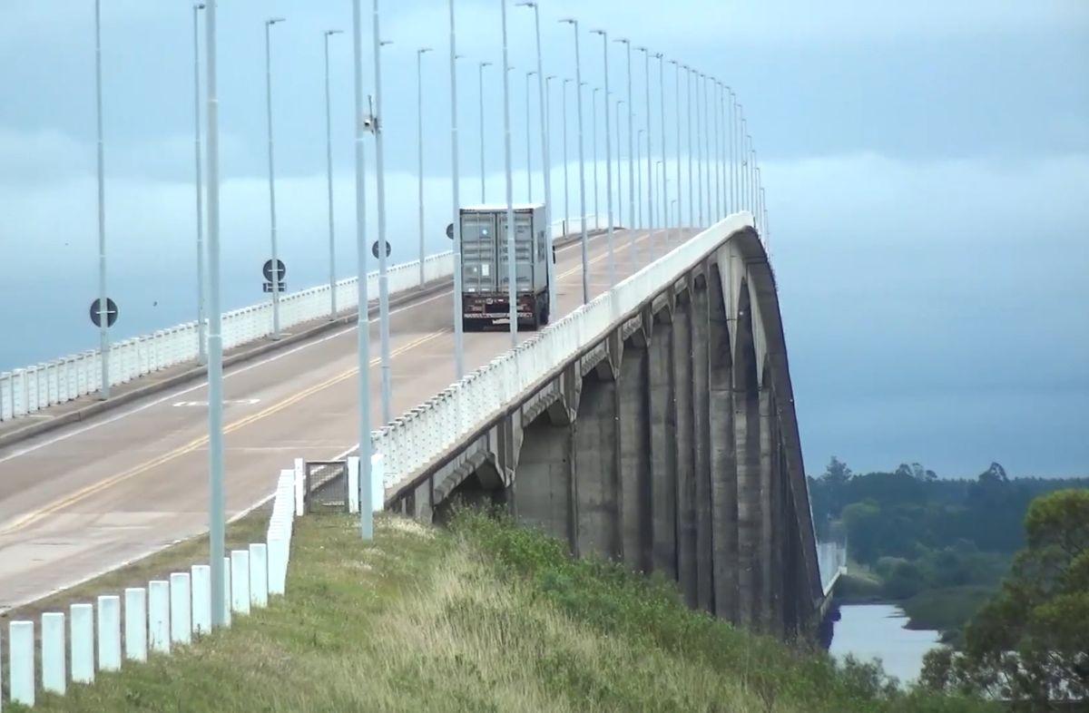 Puente General San Martín en Fray Bentos