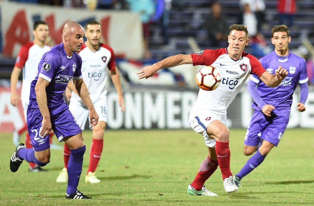 Cerro Porteño derrotó a Defensor Sporting en el Franzini y clasificó a octavos