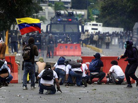 Tres muertos más por protestas en Venezuela; suman 24 fallecidos
