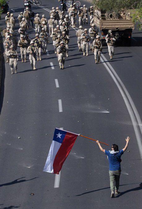 Chile despierta el lunes tras la guerra decretada por el presidente Piñera