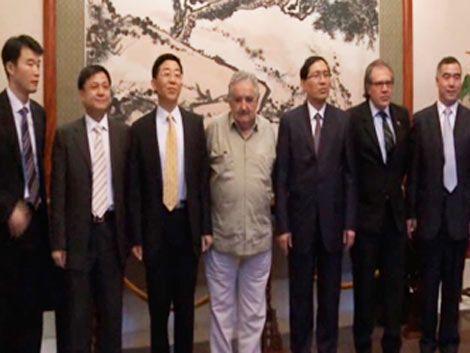 Banco de Desarrollo chino interesado en AFE y en puerto oceánico