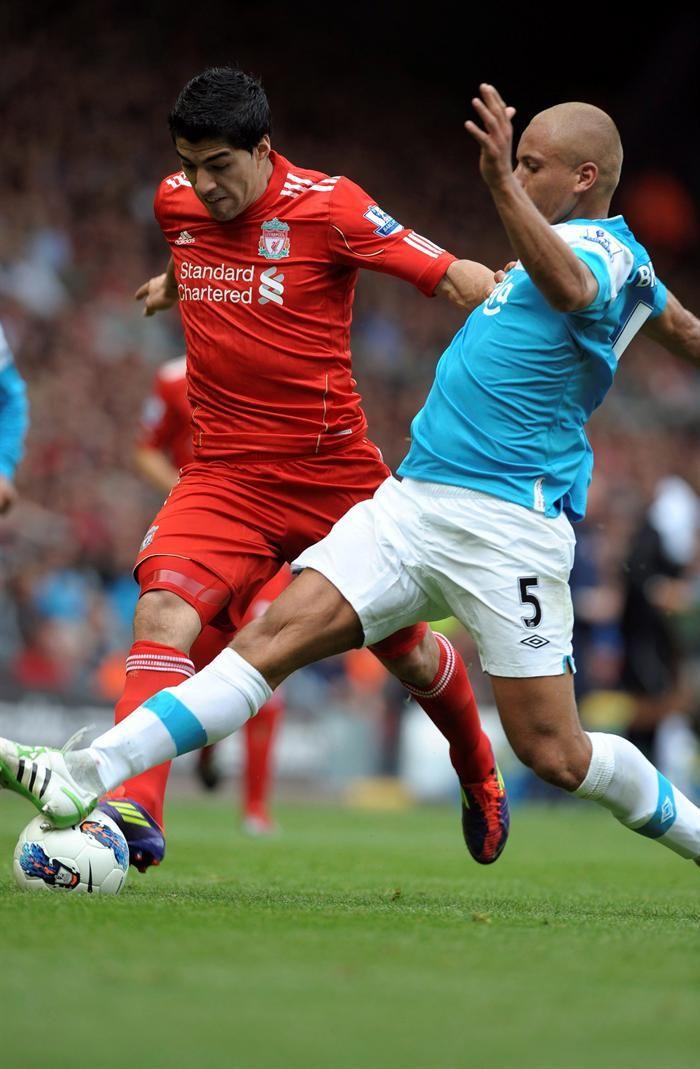 Suárez imparable marcó un gol para el Liverpool y generó otro