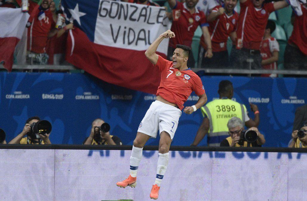 Chile a los cuartos de final apretando los dientes con un 2-1 a Ecuador