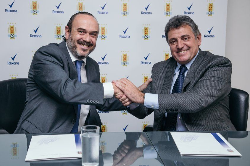 Jorge Ginel (Gerente general de Unilever) y Wilmar Valdez (AUF)