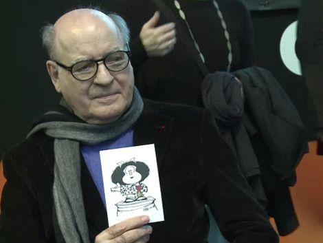 Mafalda (Quino) condecorada con la Legión de Honor en Francia
