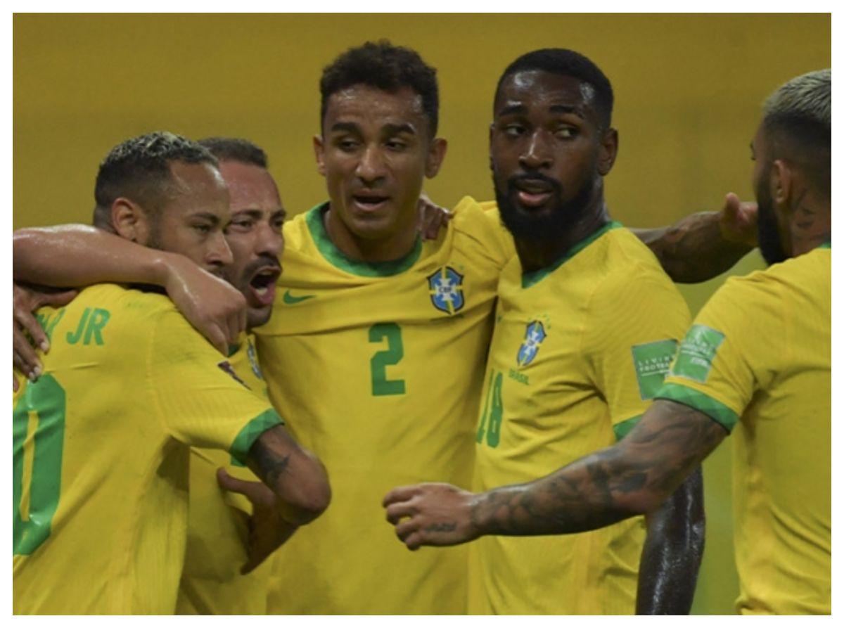 Brasil con puntaje perfecto tras derrotar a Perú en Recife por 2 a 0