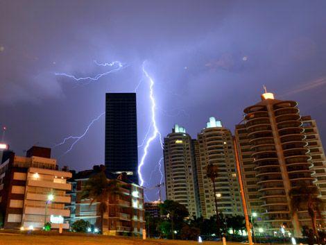 Alerta naranja para todo el país por tormentas fuertes