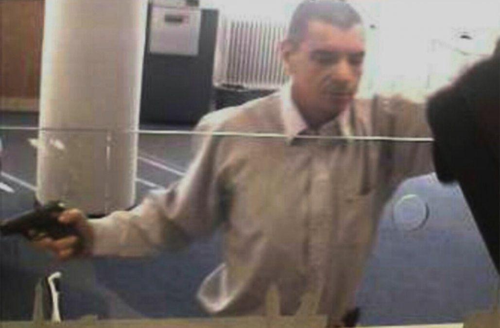 Identifican a uno de los asaltantes del banco de Trinidad