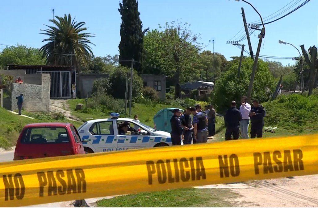 Un hombre mató a su ex pareja de un disparo cuando caminaba por la calle y se suicidó