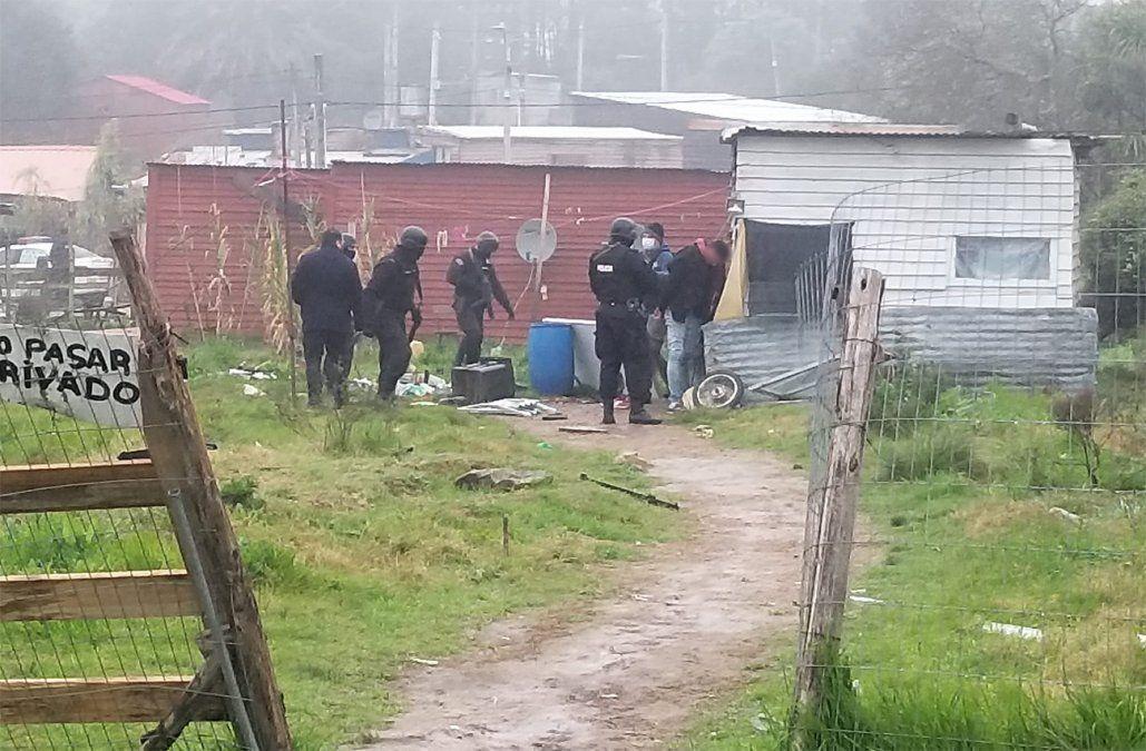 Siete mayores y dos menores detenidos en 13 viviendas allanadas por la Policía