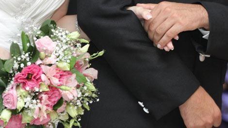Se oponía a la boda de su hijo: mató a la novia y a cinco más