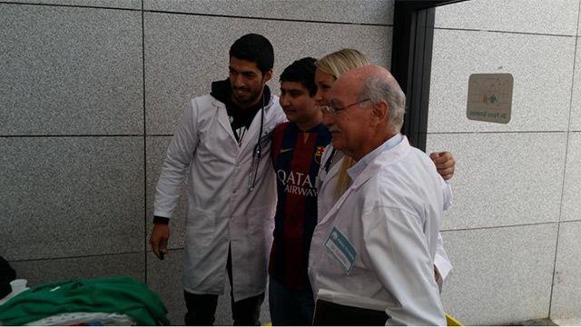 Suárez visitó fundación Pérez Scremini y cumplió promesa a niño con cáncer