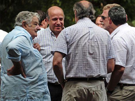 """Mujica a los intendentes blancos: """"le erraron de aquí a Pando"""""""