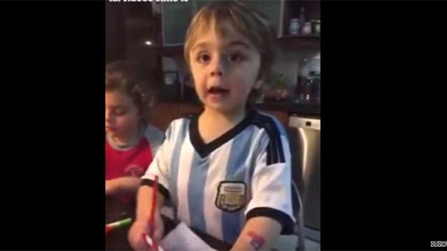 Video: Niño argentino quiere que Chile sea campeón