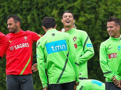 Portugal enfrenta a República Checa por un lugar en semifinales