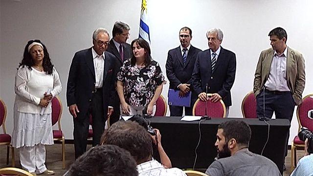 Vázquez firmó decreto que crea Grupo de Trabajo por Verdad y Justicia