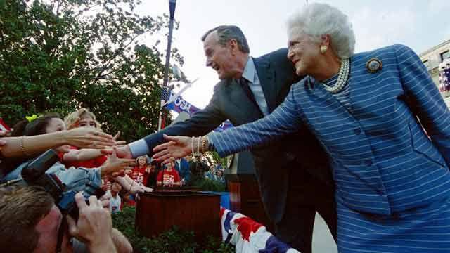 Hospitalizan al expresidente de EEUU George H.W. Bush y su esposa Barbara