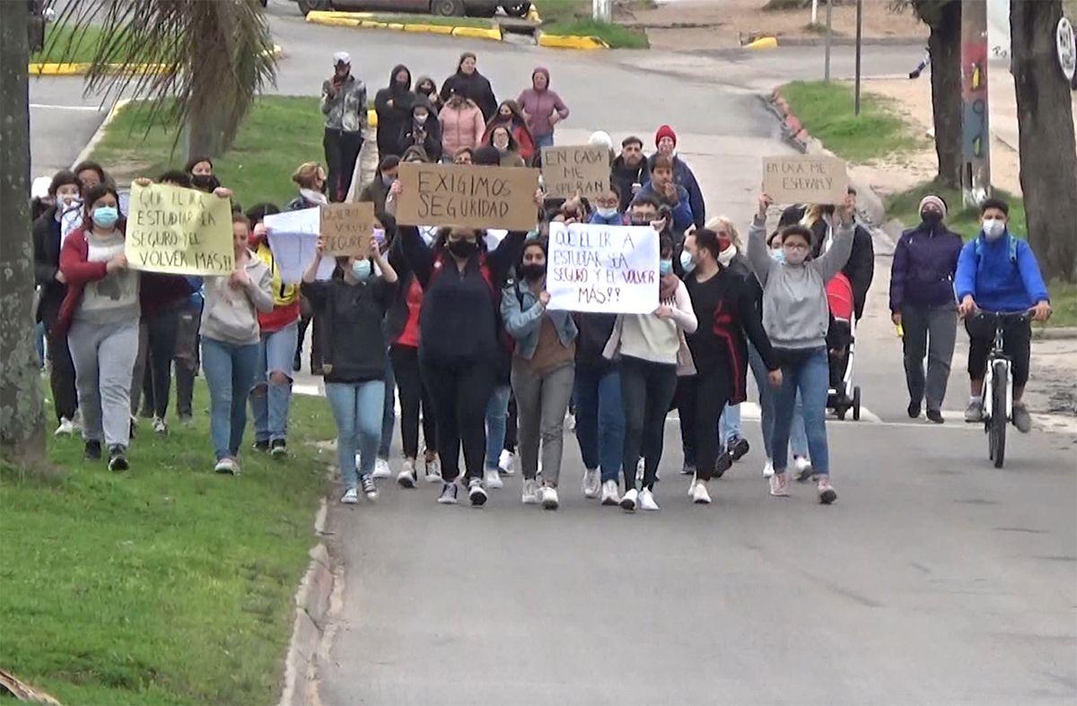 Padres y estudiantes del liceo 3 de Las Piedras denuncian robos y reclaman seguridad