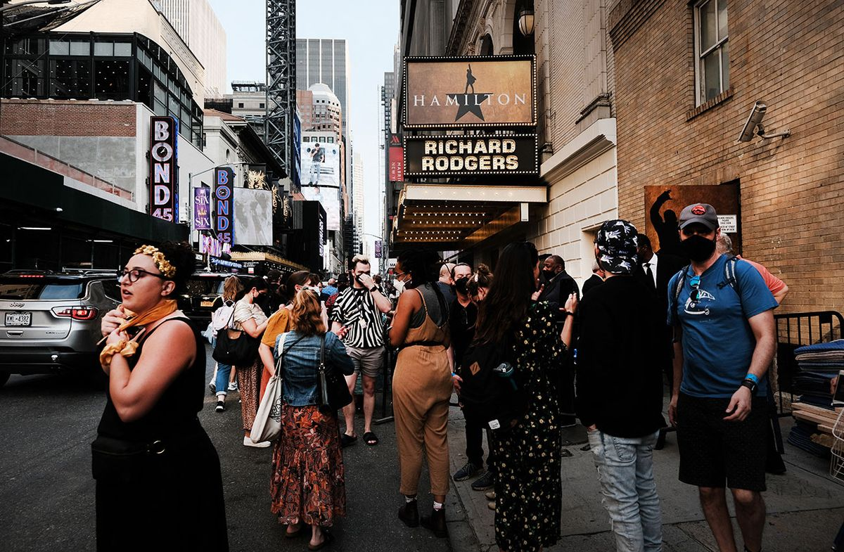 Broadway ha vuelto: neoyorquinos celebran el regreso de sus exitosos shows