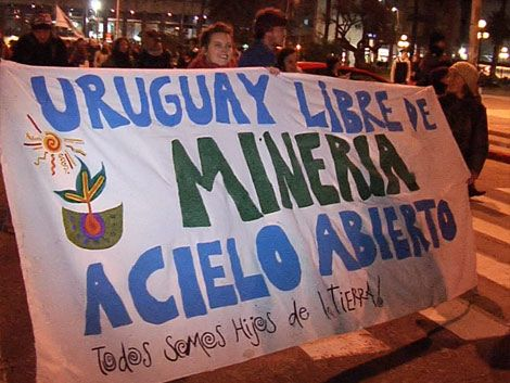 Organizaciones comunitarias marcharon contra la minera Aratirí