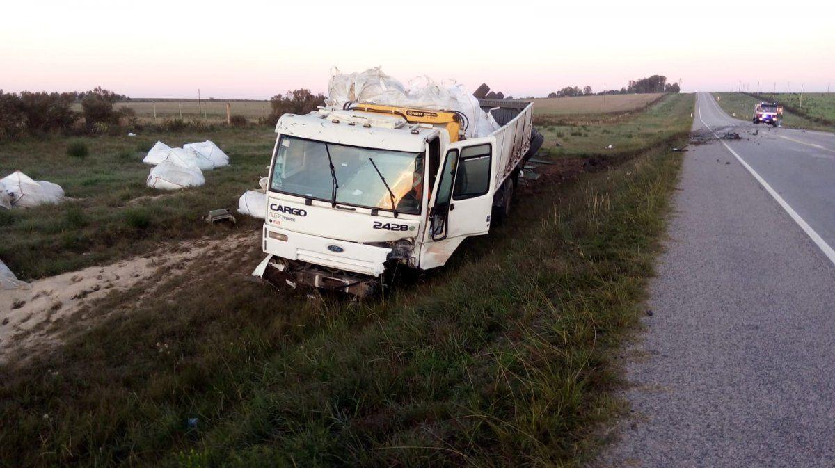 Un sargento falleció y otros tres militares graves tras choque frontal con un camión