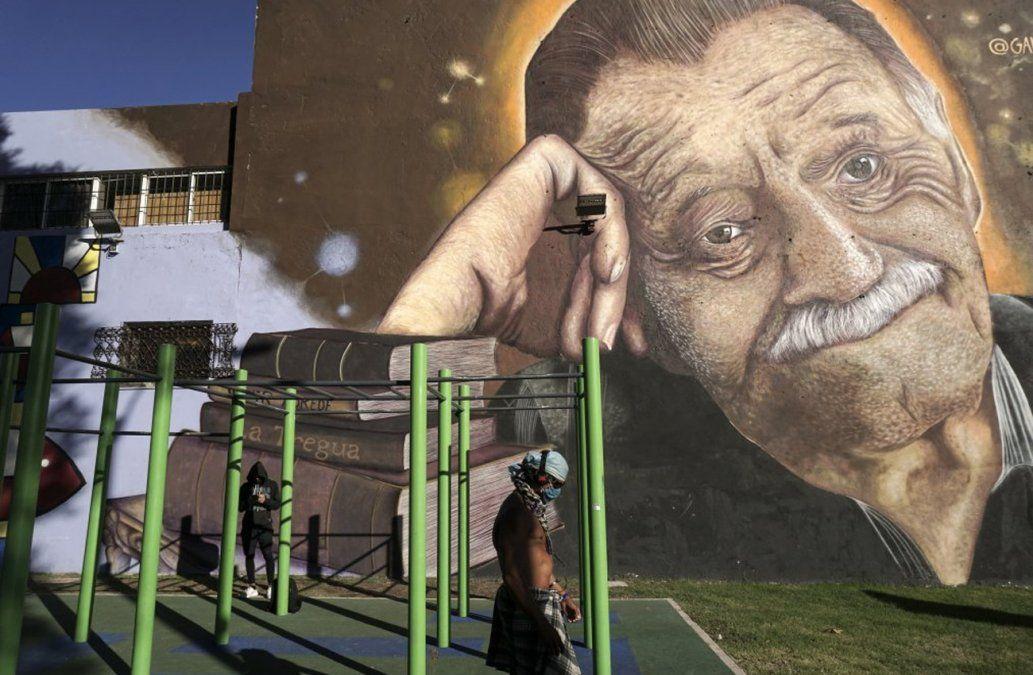 Mural homenaje a Benedetti
