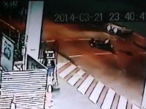 Automovilista atropelló a delivery