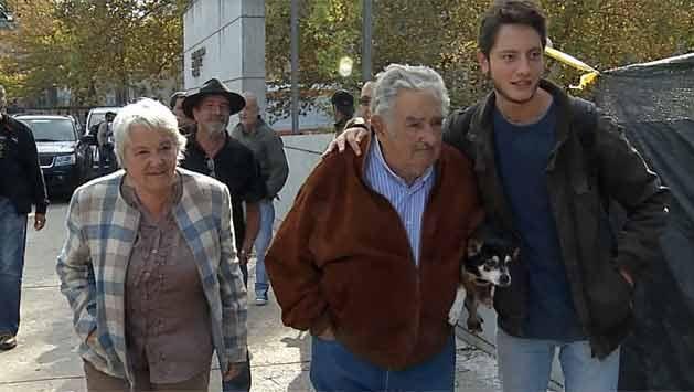 """El Fondes está """"por una para salir"""", dijo Mujica en acto del 1º de mayo"""