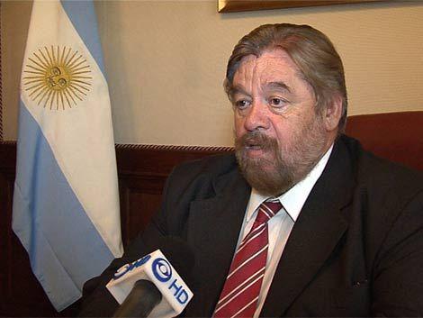 Almagro pidió a embajador Dovena que no se meta en temas internos