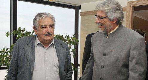 Oposición cuestiona a Mujica por defender a Lugo