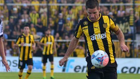 Peñarol va por el título del Clausura esta tarde ante Fénix