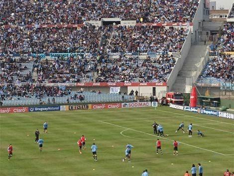 Costó un Perú y no es broma: Uruguay ganó 4 a 2