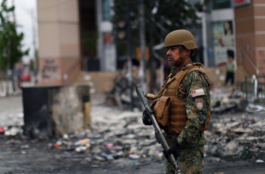 Toque de queda desde las 19:00 en Chile por estallido social