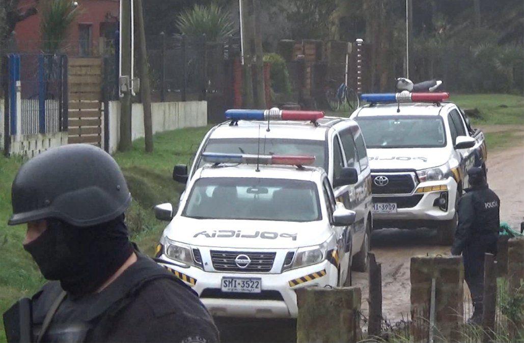 Cinco hombres, una mujer y un menor imputados tras allanamientos en San Luis