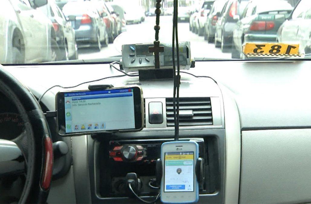 Se podrá pagar con tarjeta de débito y crédito en 2.500 taxis de Montevideo