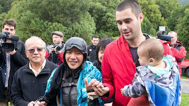 Nueva Zelanda: mujer se perdió y sobrevivió bebiendo su leche materna