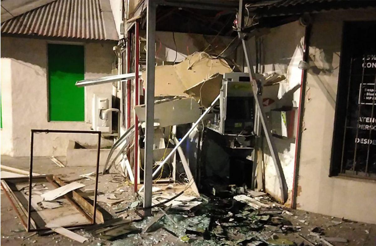 Explotaron un cajero automático pero los billetes salieron manchados con tinta verde