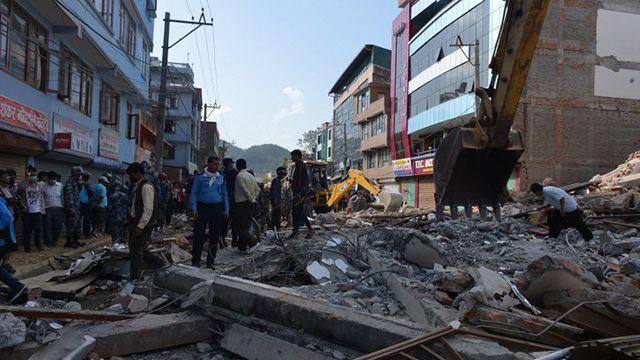 Impactantes videos de cómo se vivió el terremoto de este martes en Nepal