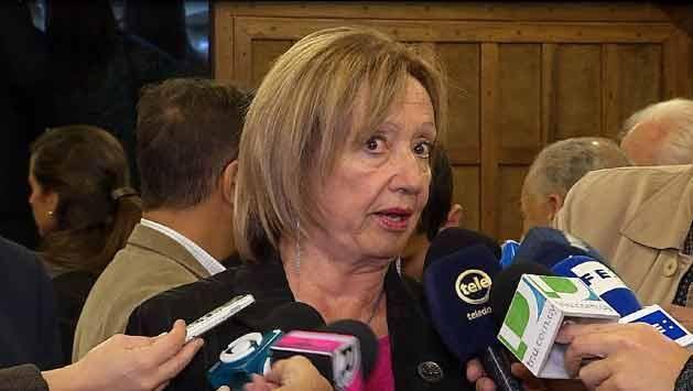 """Muñoz dice que ofrecer alimentación en liceos públicos es """"una necesidad"""""""