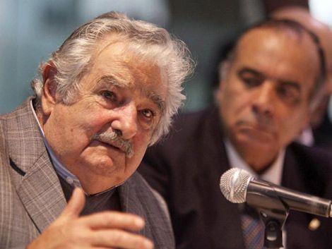 Mujica saca a jerarcas para que no se burocraticen en el cargo