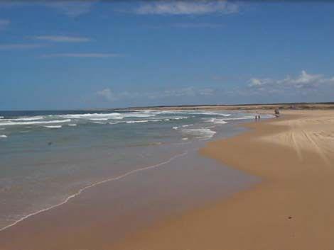 Golpiza y amenaza de muerte tras pasar por una playa privada