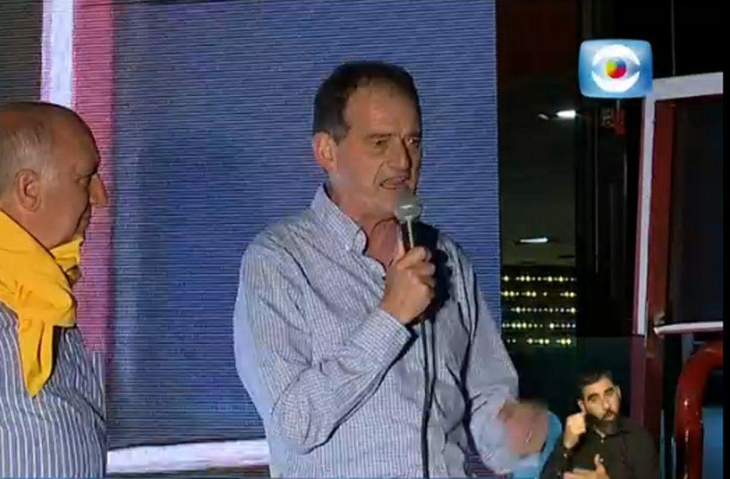 Manini anunció su apoyo a Lacalle Pou y destacó excelente resultado de Cabildo Abierto